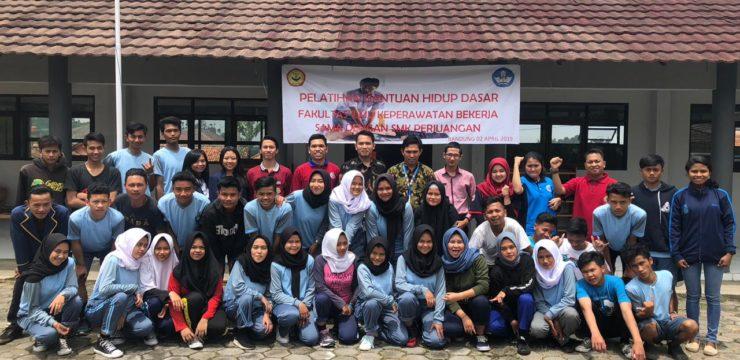 Pelatihan Bantuan Hidup Dasar-Fakultas Ilmu Keperawatan di SMK Perjuangan Parongpong