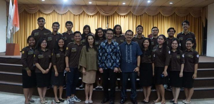 """THE LORD IS AT HAND"" – Worship Fakultas Ekonomi Universitas Advent Indonesia Semester Genap 2019/2020"